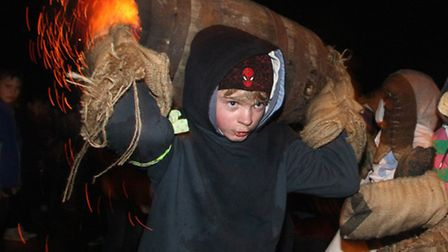 Tar Barrels 2013. Picture by Alex Walton. Ref sho 7957-45-13AW. To order your copy of this photograp