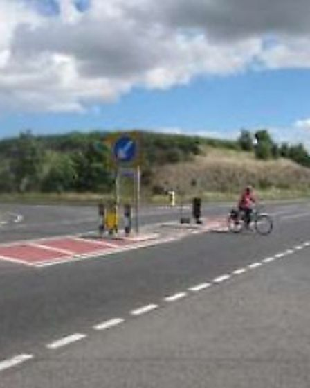 Another potential option for the A3052 at Bowd is an at-grade crossing with a central refuge