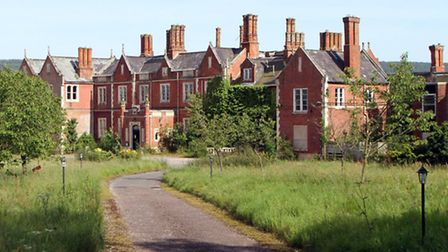 Derelict Salston Manor. Picture by Alex Walton. Ref sho 4950-06-14AW