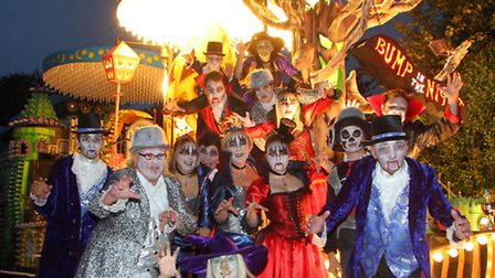 Sidmouth Carnival 2012. Picture by Alex Walton. Ref shs 2623-39-12AW. To order your copy of this pho