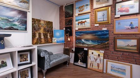 Opening of the Cordelia Gallery, Cross Lane Sidmouth, 17th Sept 2015.Photo by Tony Charnock 07770