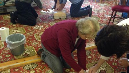 Sidmouth bowlers learn CPR.