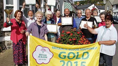 Ursula Makepeace and Beer volunteers with their awards from south west in bloom. Ref shb 4274-40-15T