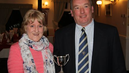 Angie Coles, daughter of Geoff Shephard, presenting Mark Thomas with the trophy that Geoff gave to t