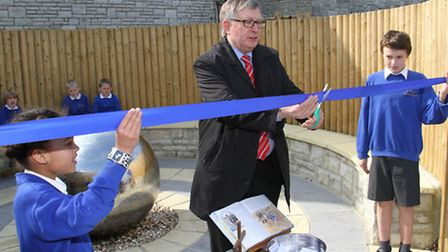 Beer Primary School Spiritual Garden and outdoor classroom official opening. Phillip Mantell from Di