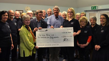 TIPPS presented 250 to Sid Vale Africa Link