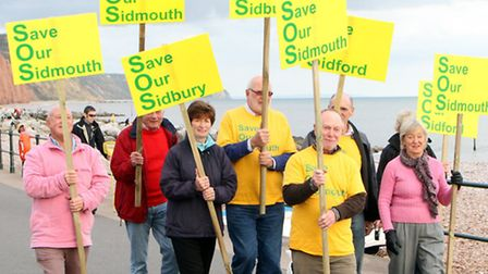 Save Our Sidmouth group prepare for their mass. Picture by Alex Walton. Ref shs 6670-44-12AW. To ord