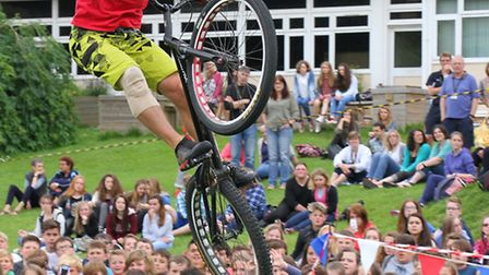 Record breaking stunt cyclist Andrei Burton entertained students at Sidmouth College this week as pa