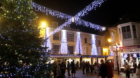 Sidmouth Christmas lights. Ref shs 6726-47-15SH. Picture: Simon Horn