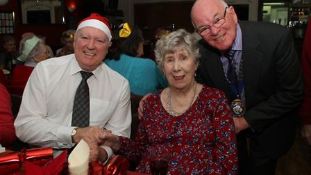 Betty Williams with Lamb and Flag landlord, Ron Miles, and Ottery mayor, Glyn Dobson. Ref sho 4475-5