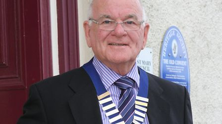 The Mayor of Ottery St Mary: councillor Glyn Dobson. Photo by Simon Horn. Ref sho 2266-20-14SH To or
