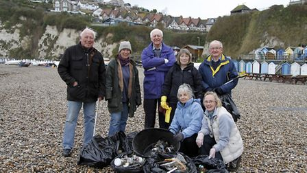 Beer heritage volunteers with some visitors that helped to clean up the beach in 2014. Ref shb 4903-