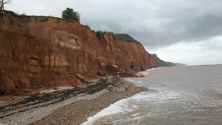 Paul Griew's shed came down the cliff this afternoon. Credit: ex10sidvalley - Twitter