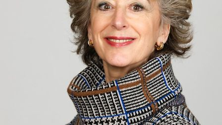 Maureen Lipman is cooming to Sidmouth.