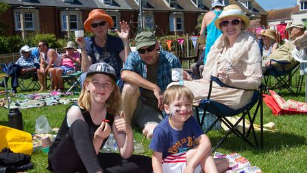 Neighbours at The Big Lunch. Ref shs 25 17TI 4810. Picture: Terry Ife