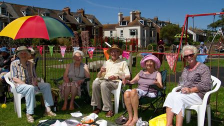 Friends at The Big Lunch. Ref shs 25 17TI 4807. Picture: Terry Ife