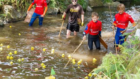 The Sidmouth Lions Great Duck Derby. Ref shs 28-17TI 7189. Picture: Terry Ife