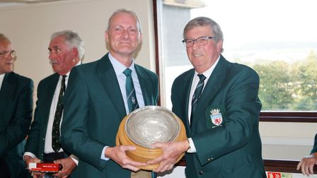 Paul Hitchcock, winner of the Bowering Salver, being presented by Bob Webber, 2017 Captain of the De