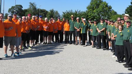 The Devon and Great Westernpetanque teams before their meeting.
