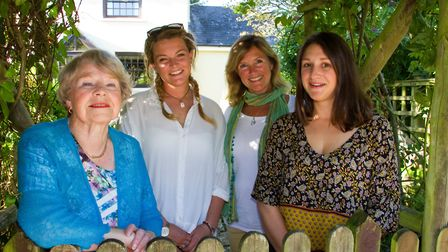 Dorothy,Alex,Tracy and Polly of Sweetcombe Cottage Holidays. Ref shs 34 17TI 9646. Picture: Terry If