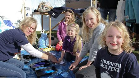 Print card making at the Sidmouth Science Festival in 2016. Ref shs 41-16TI 9750. Picture: Terry Ife