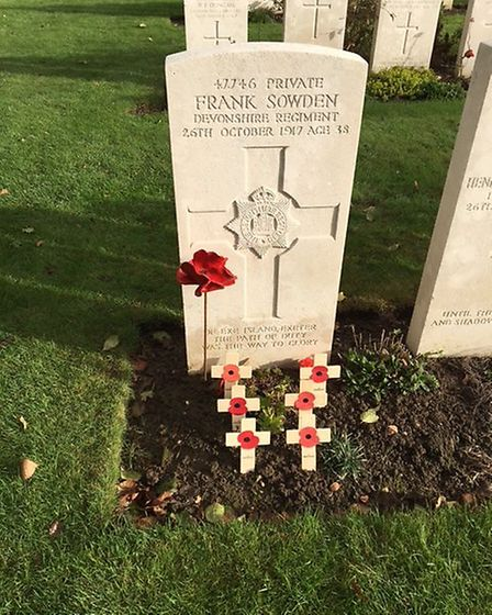 Frank Sowden's grave