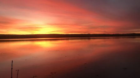 I was on the train to exmouth when I saw this sunset and couldn't pass up the opportunity to not tak