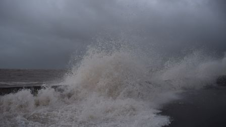 Was on a walk along exmouth beach to see the spring tide and got some shots of the humongous waves h