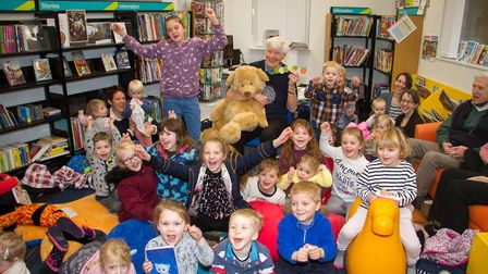 Story telling at Sidmouth Library. Ref edr 07-18TI 7924. Picture: Terry Ife