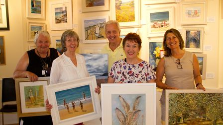 Members of Sidmouth Society of Artists at Kennaway House before their exhibition. Ref shs 27 18TI 71