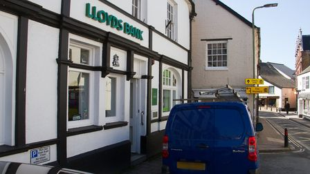 Lloyds Bank Ottery. Ref sho 16 18TI 1525. Picture: Terry Ife