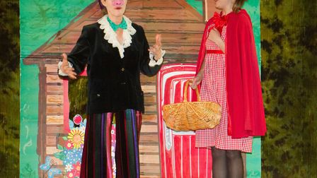 """The Riverside Players present the pantomime """"RED"""". Ref shs 07 19TI 0078. Picture: Terry Ife"""