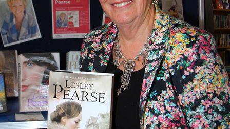 Author, Lesley Pearse, gave a talk to avid readers at Sidmouth Library. Ref shs 7344-21-15AW. Pictur