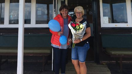 Debbie Snelgrove from Sidmouth Hospiscare thanks Gill Hodge for her support. Picture: Sidmouth Hospi