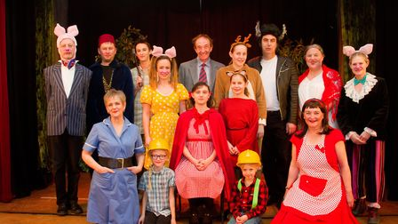The cast of the Riverside Players production of Red. Ref shs 07 19TI 0017. Picture: Terry Ife