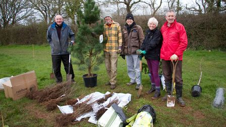 Peter Daniels, Graham Hutchinson, Ed Dolphin, Jenny Ware and Des Kelly at the Tree planting event i