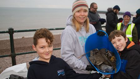 Denise Bickley at one of her beach cleaning sessions. Ref shs 02 19TI 7819. Picture: Terry Ife
