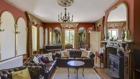 The magnificent drawing room.