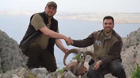 Dom and Tomo after a successful end to a memorable hunting experience