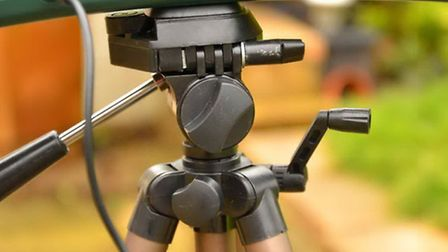 The tripod head is very light and should be treated with care
