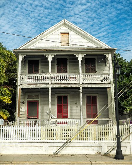 Key West is an intriguing place with lots of historic buildings and classic streetlamps to give it a