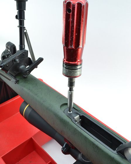 T30 Torx action screws with an inner bedding block gave excellent action stability and recoil transf