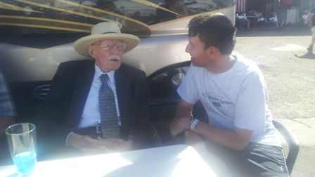 Dicussing ditching with Bob Hoover.