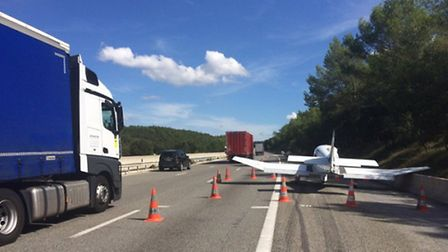 The Robin DR400 landed on the hard shoulder of a motorway in southern France   Twitter, @VINCIAutoRo