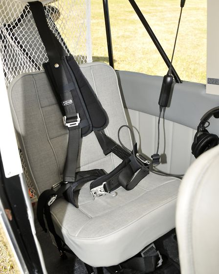 A handy net secures items in the large 100lb baggage compartment