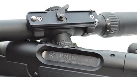 The proprietary Strasser Ball Seat Mount works fantastically well with good return to zero. It is al