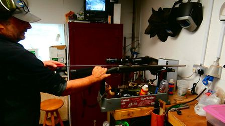 Cleaning thanks to a 'gun butler'