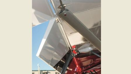 Lift struts are left open-ended, their end fittings retained by shear bolts. Plain flaps come down t