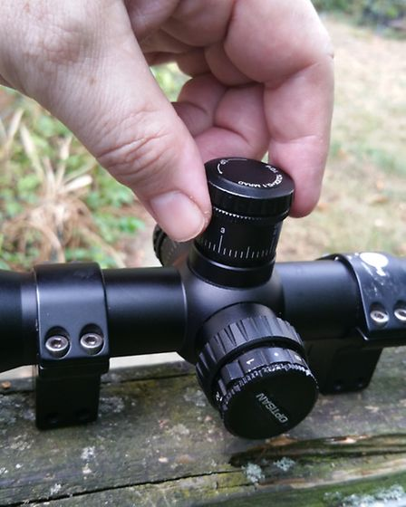 Pull-up tactical turrets make adjusting the EVX extremely easy