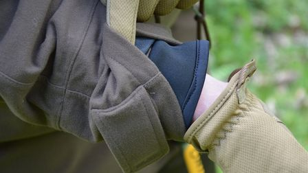 3. Neoprene inner cuffs prevent water leaking in when your arms are raised